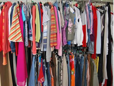 Kleiderladen im Sozialzentrum St. Peter