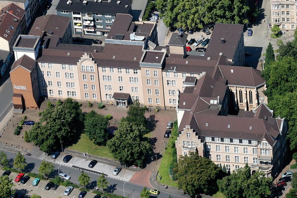 Das Gelände des St. Vincenz-Hospitals (Foto: Helios)
