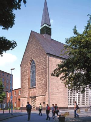 Die Gottesdienstzeiten in der Karmelgemeinde bleiben unverändert (Samstag 18 Uhr, Sonntag 11 Uhr).