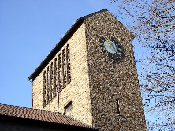 Durch dieses neue Gefüge verändert sich die Messzeit in der Kirche Christus König von 11:30 auf 9:45 Uhr.