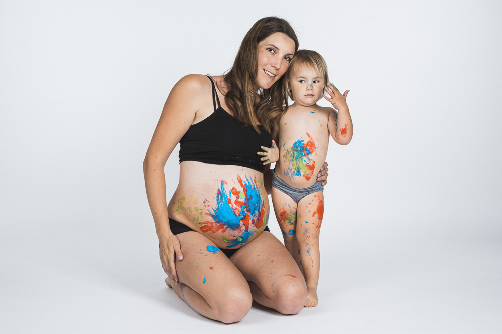Babybauchshooting mit Fingerfarben