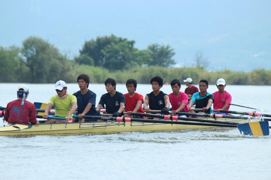 ボートの花形種目・漕手8人がそれぞれ1本のオールを使って漕ぎ舵手が舵をとる【エイト】