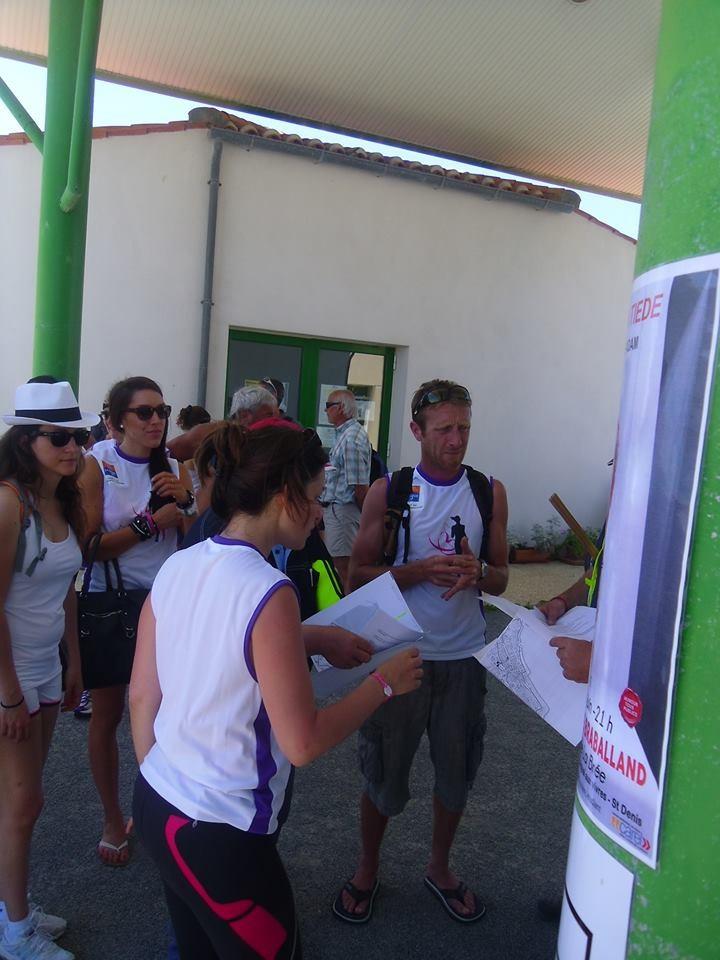 Briefing des bénévoles avant la course de l'Oléronaise