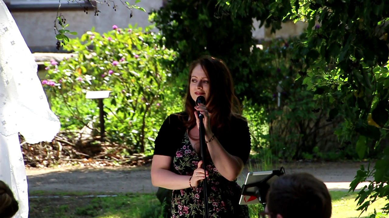 Sängerin Silke Gesang Mit Viel Gefühl Für Besondere Anlässe
