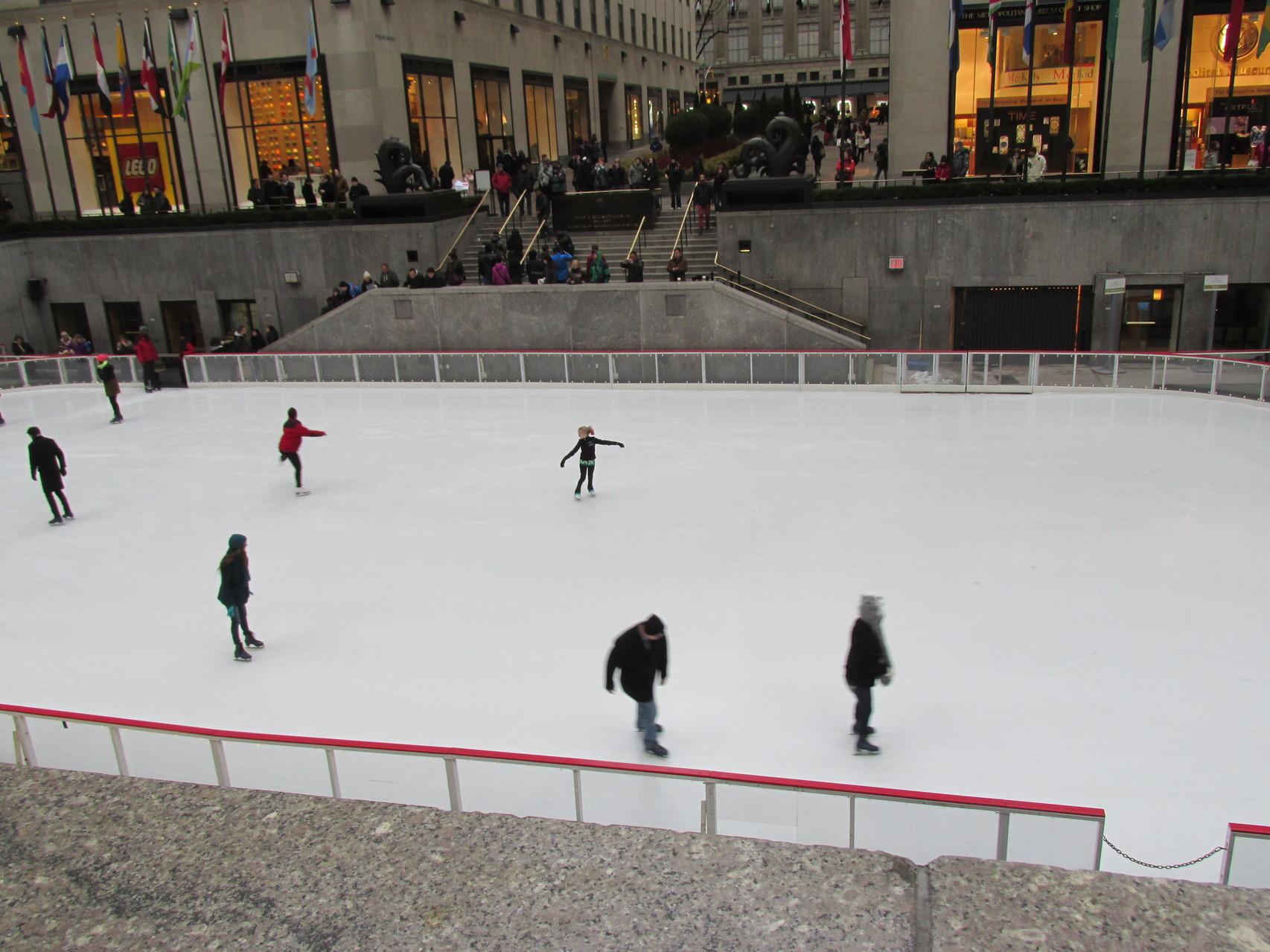 Eislaufplatz vorm Rockefeller Center