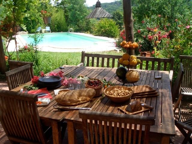 Con il bel tempo si mangia tutti fuori!