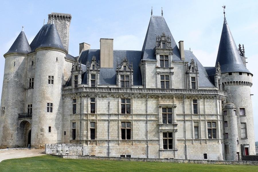 <h2>Le château de la Rochefoucauld</h2>