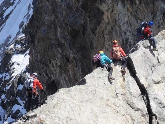 Vers 3900 m, le passage de la brèche Zsigmondy.