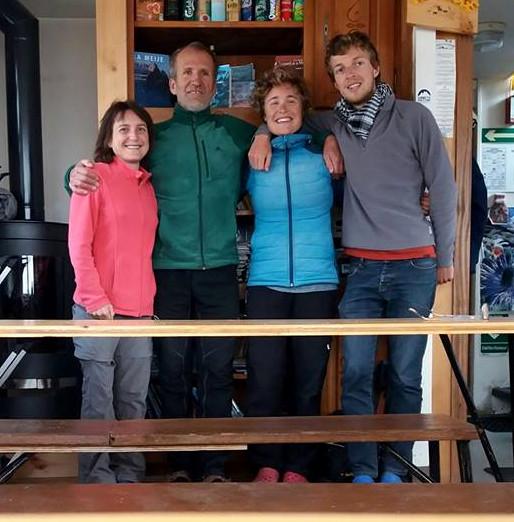"""Merci à Béatrice, Mélanie et Titouan pour les chouettes moments d'échanges dans le cadre du programme """"Refuges Sentinelles"""" piloté par les universités de Grenoble et le Parc National des Ecrins."""