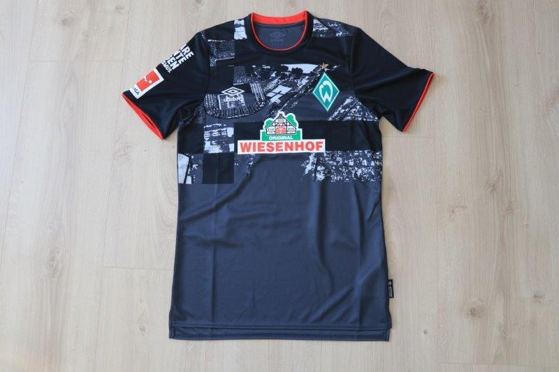 """SV Werder Bremen 2020/21 Third Sonderpatch """"Klare Kante gegen Rassismus"""", Nr. 17 Agu"""