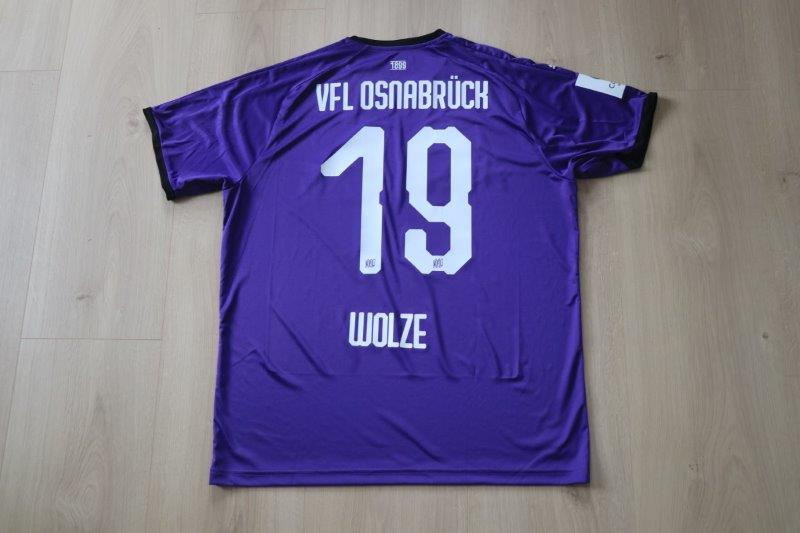 "VfL Osnabrück 2019/20 Heim Sonderpatch ""Corona Warn-App"", Nr. 19 Wolze"