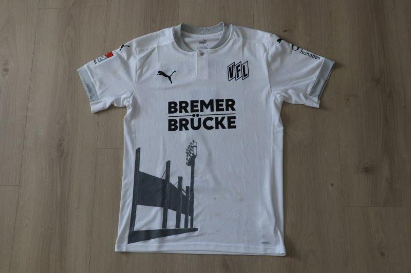 "VfL Osnabrück 2020/21 Sondertrikot ""Bremer Brücke"" signiert, Nr. 7 Ajdini (Matchworn gg. Kiel 24.04.21)"