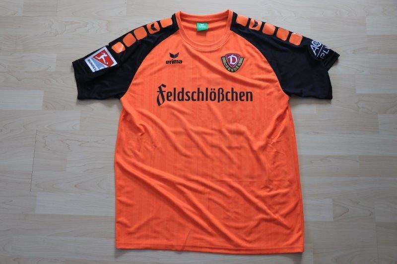 SG Dynamo Dresden 2017/18 Torwart, Nr. 25 Schwäbe