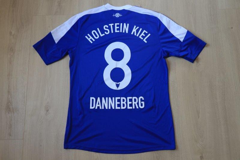Holstein Kiel 2014/15 Heim, Nr. 8 Danneberg (DFB-Pokal-Matchworn gg. 1860 München 17.08.14)