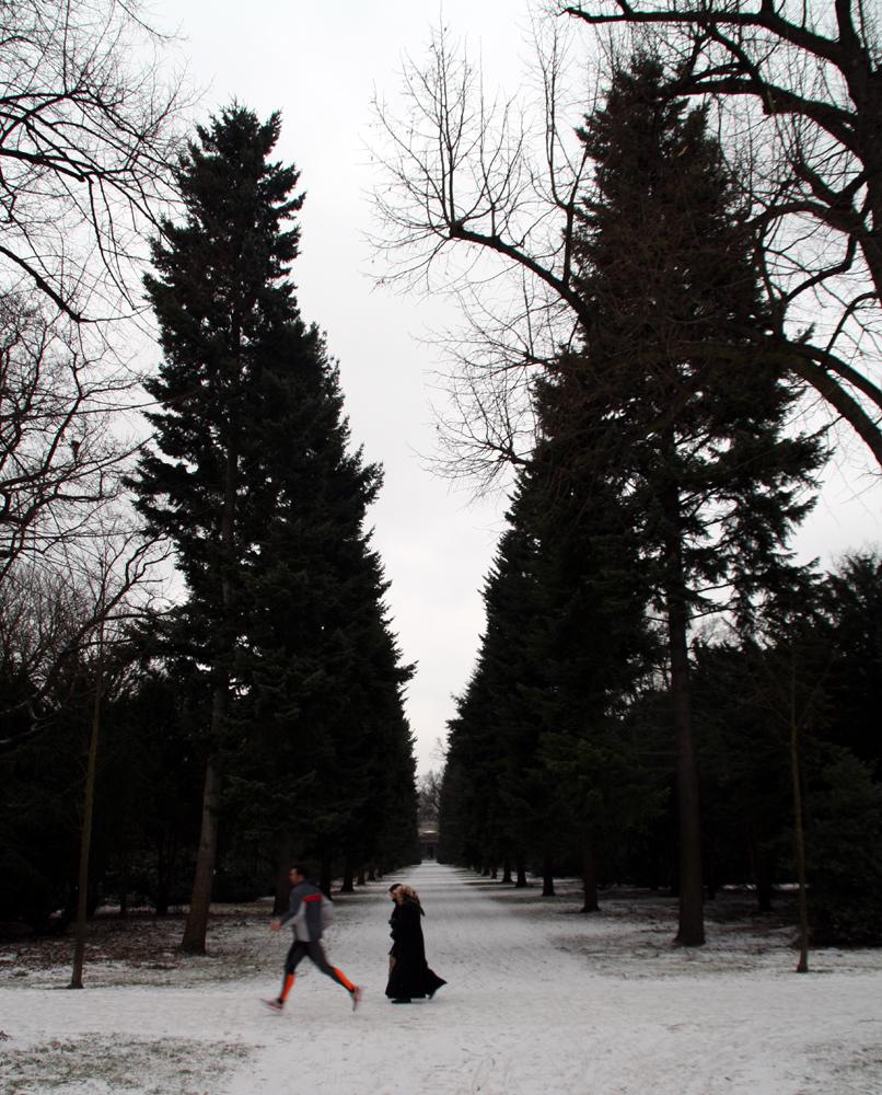 Jogger im Schnee im Schlosspark Charlottenburg. Foto: Helga Karl