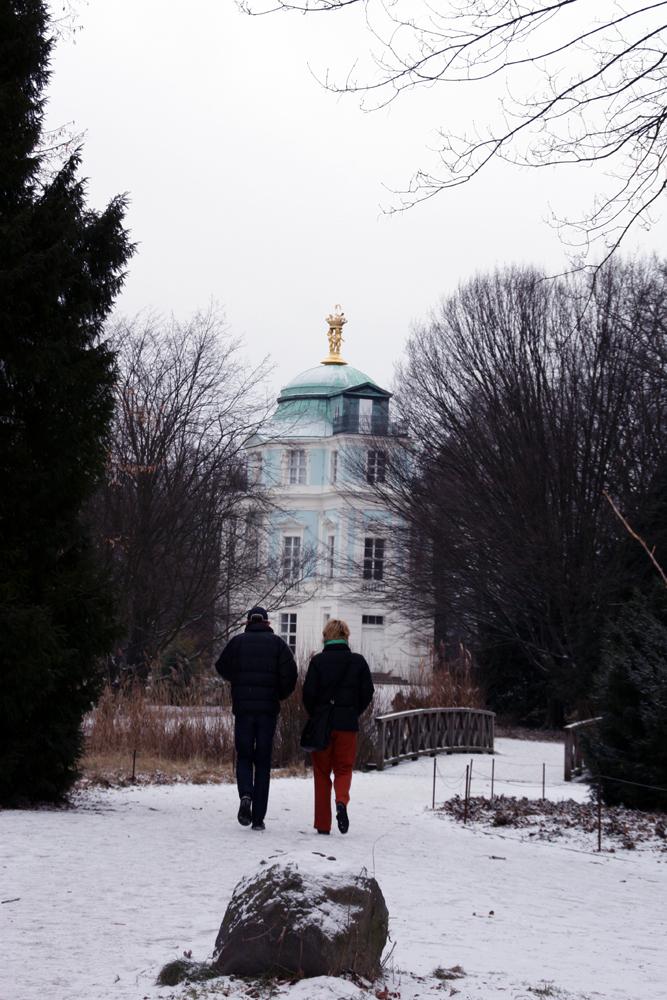 Winterspaziergang im Schlossgarten Charlottenburg, Blick auf Belvedere. Foto: Helga Karl