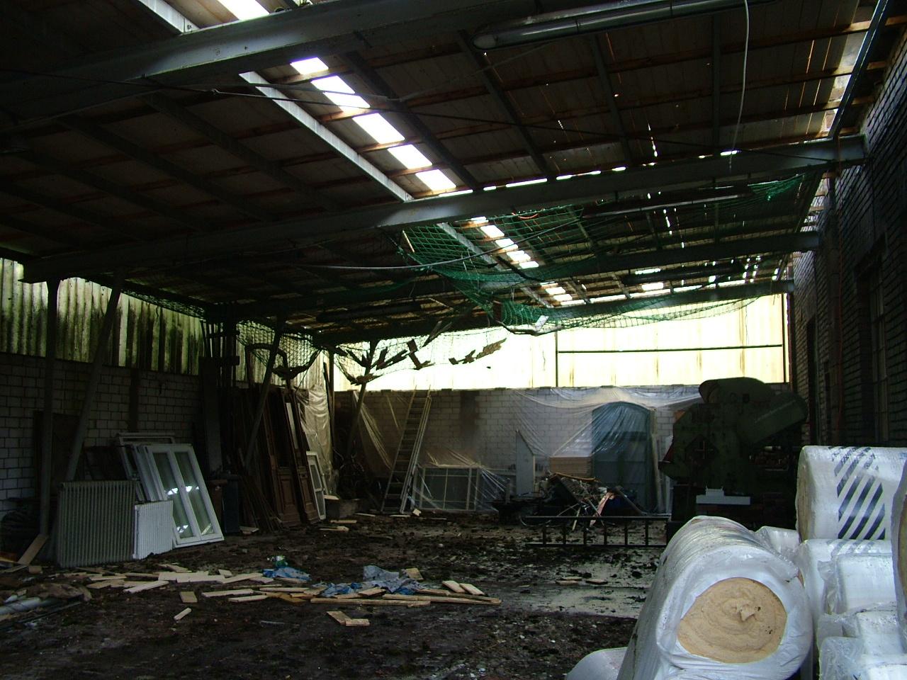 Dach abdecken am großen Saal