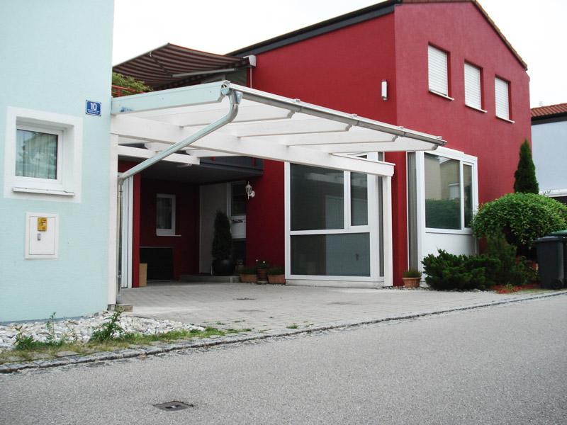 Eleganter Carport von Häusler, Oberschleißheim
