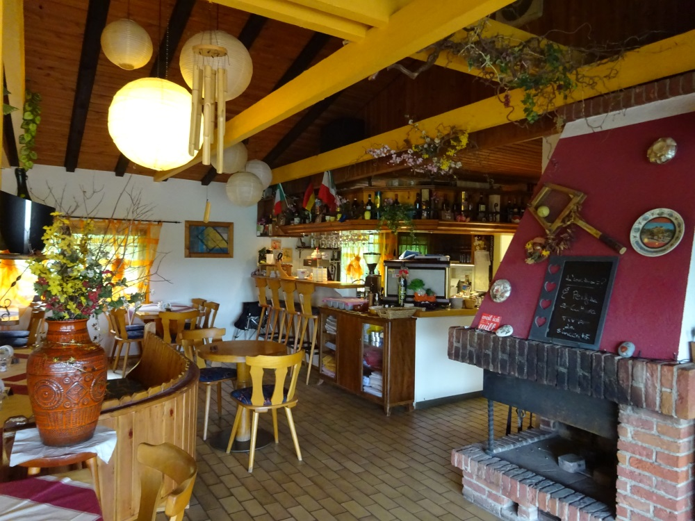 Restaurant Clubheim Tc Grun Weiss Hausen