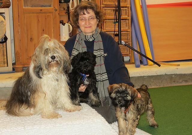 Milka, Yeshi, Femi und Frauchen in der Hundeschule DogFidence - Februar 2014