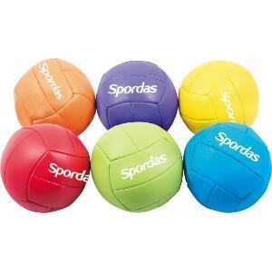 6 ballons en mousse faciles à attraper. Idéal pour les jeux sportifs avec les enfants. Marque Spordas.