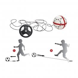 Kick back pour ballon de football : retour du ballon de football vars le tireur! Kick-back de foot!