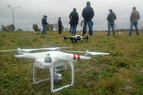 Capacitación sobre manejo de drone para personal de seguridad