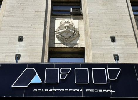 La AFIP de Abad prorrogó hasta el 30 de noviembre el plazo para adherir al puente fiscal