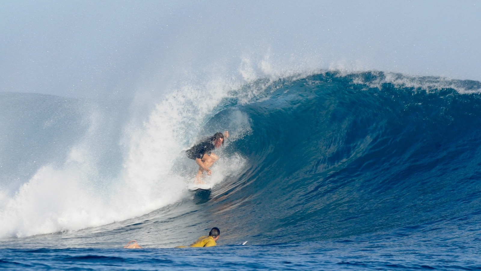 Jem Rogers the surfing barrel blindfolded credit: Aude