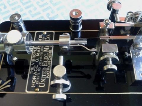 "DK4XL - Double Lever ""half frame"" particolare targa"