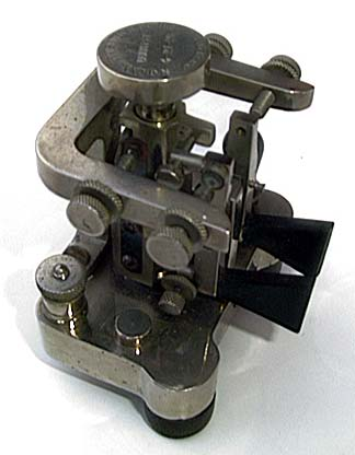 FROM W1TP online Museum :7050 * GIL SCHLEHMAN'S NATIONAL TRANSMITTER COMPANY VERTICAL BUG. This is an exceptionally rare National Transmitter Company Vertical Bug. It carries the DUNN Patent date of 4-27-20.
