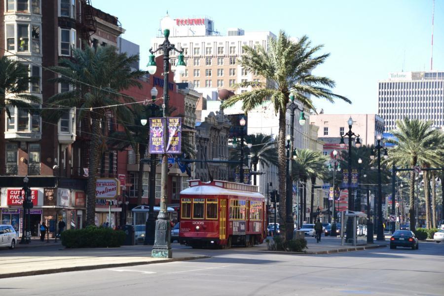 New Orleans: Strassenbahn an der Canal Street