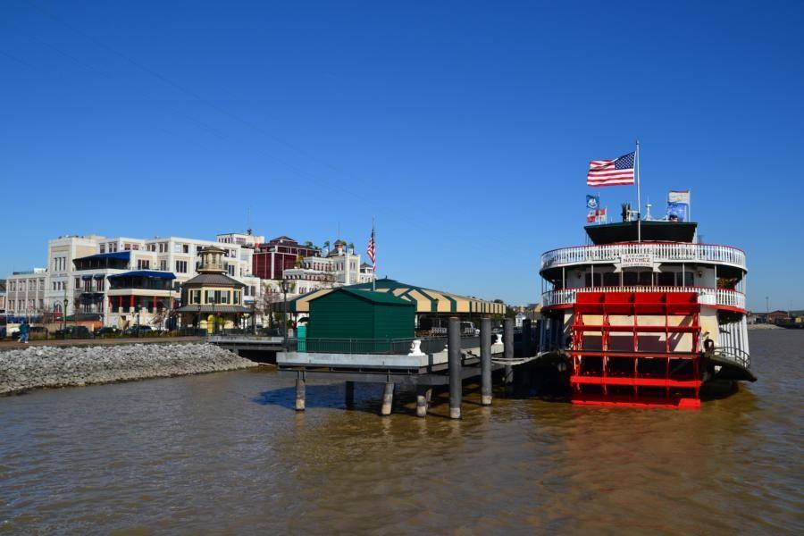 """New Orleans: Die """"Natchez"""", Schaufelraddampfer auf dem Mississippi"""