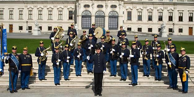 Wiener Regimentskapelle IR4 unter Leitung von Helmut Zsaitsits