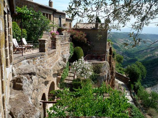Garden Rental House In Civita Di Bagnoregio