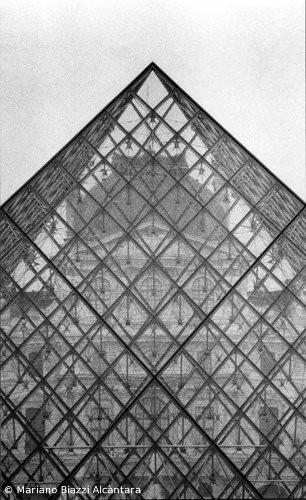 Parigi, Pyramide du Louvre - 1994
