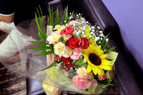 20周年イベント終了!!ファンからは「夏に開く太陽に届く花=向日葵」(スクーデリア・エレクトロ「Better Days」より)が贈られました。