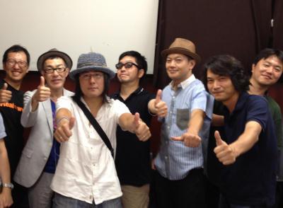 石田ショーキチさんほか。楽屋にて。