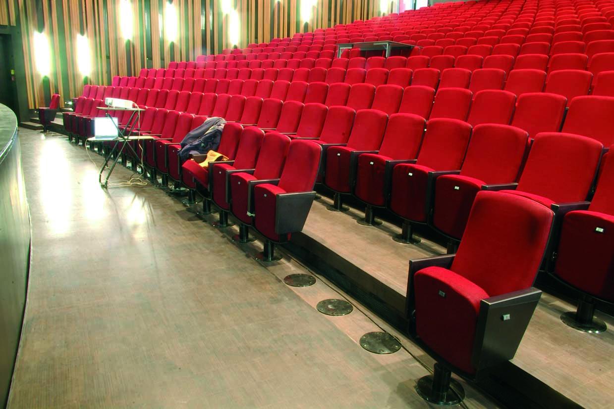 Parkett für das Apollotheater in Siegen