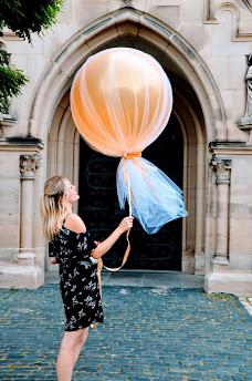 Riesenballon mit Tüll.