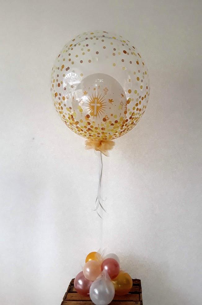 Zur Kommunion eine Bubbledekoration. In gold gehalten.