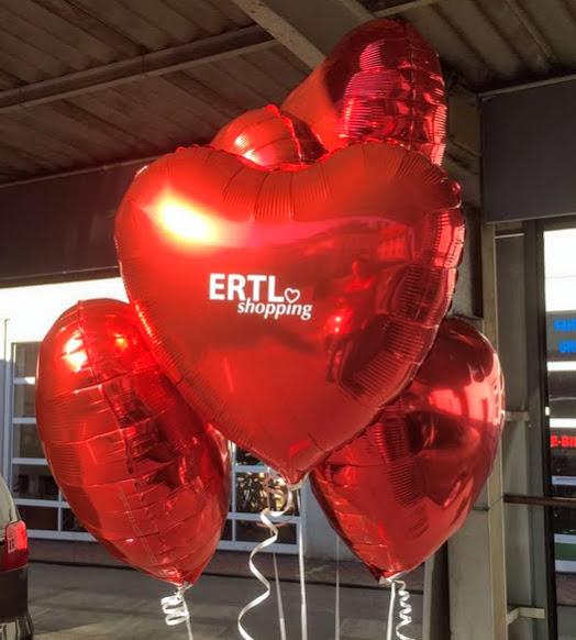 Mit einem Plott bedruckte Folienherzballons. In verschiedenen Größen, Ballonformen, Schriftformen und Schriftfarben möglich.
