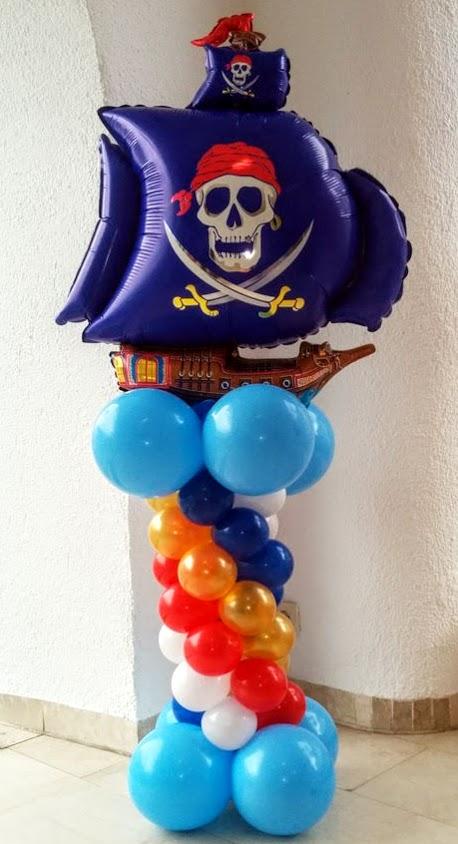 Piratenschiff als Säule. Viele verschiedene Motive und Farben möglich.