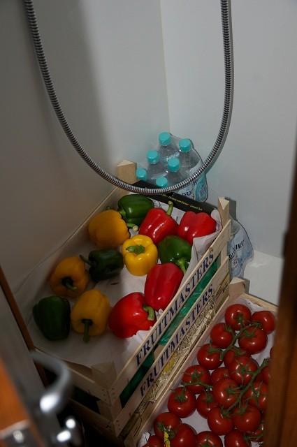 Das Gemüse muss in der Dusche wohnen.