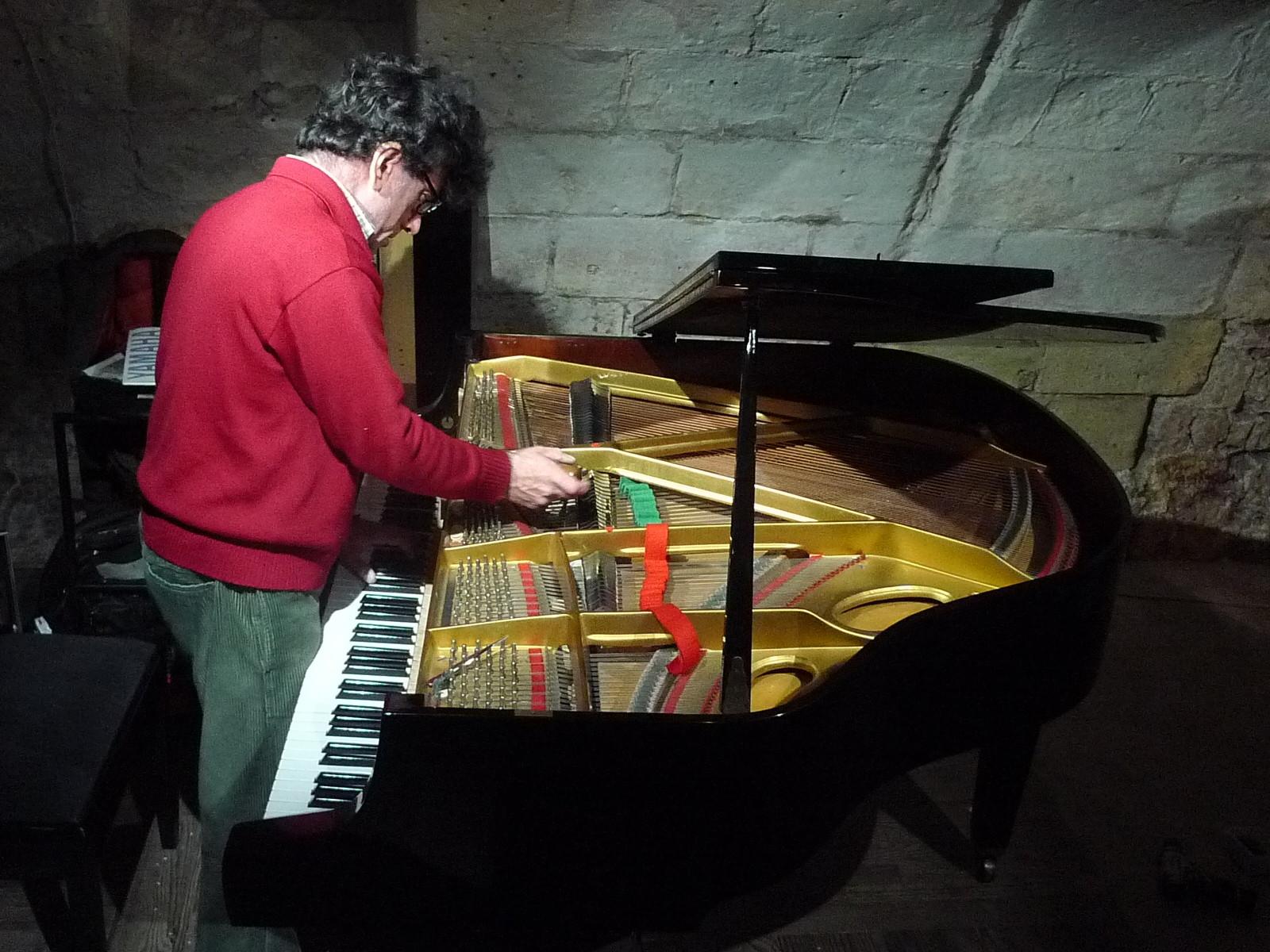 Un piano est sensible aux variations d'hygrométrie et de température.