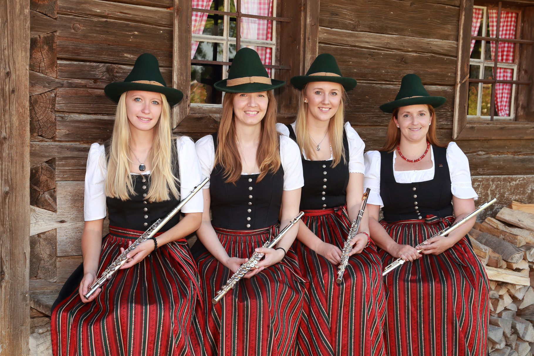 Alexandra Steiner, Petra Dicker, Nina Grünbacher, Caroline Steiner