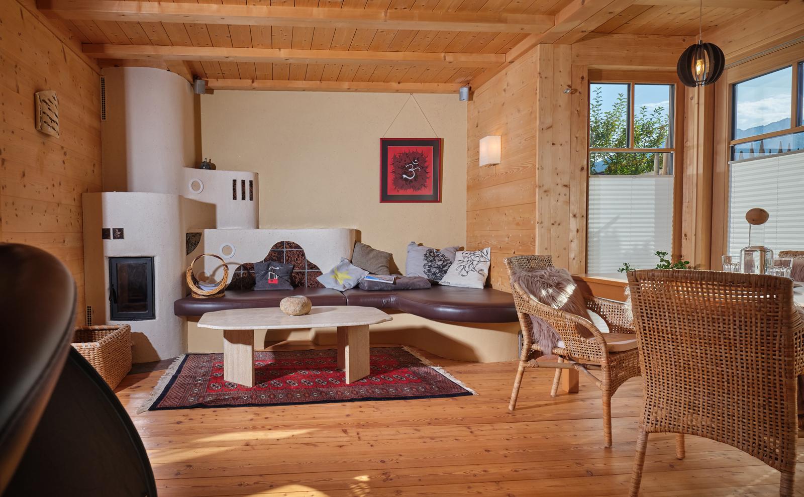 Wohnbereich mit Kamin  © Haus Lorea Ehrwald - Birgit Standke
