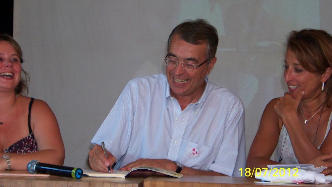 Signature du Manifeste du Mouvement H/F par Jean-Jack Queyranne, Président de la Région Rhône-Alpes