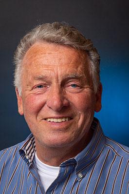 Dick van Riel, bariton en CD-beheerder