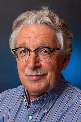 Leo van den Thillart, bariton en adjunct-secretaris